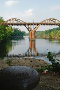 401px-Black_Warrior_River,_taken_by_beigeinside